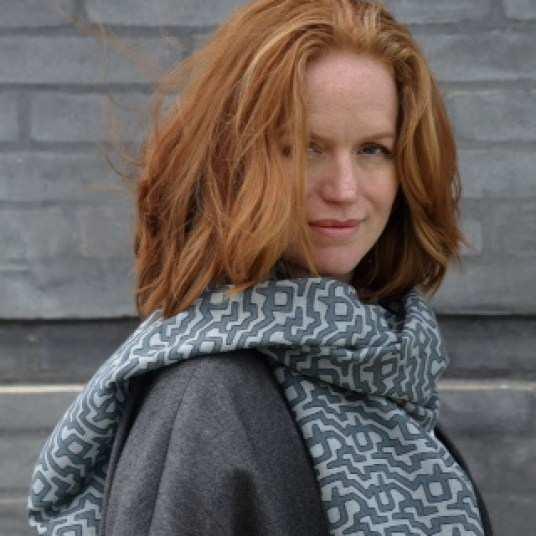 Margit Korshoj, Dänemark, Schal, feine reine Wolle, handbedruckt;