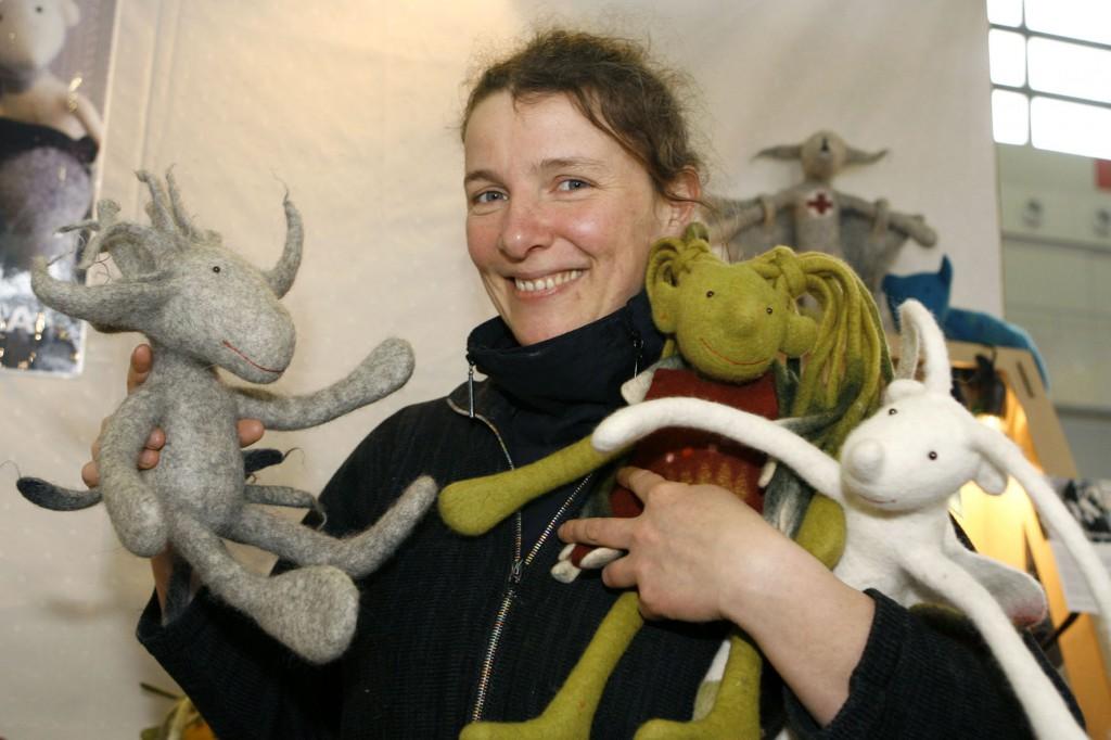 Susanne Wetzel mit ihren Filzviechern auf der Creativa;