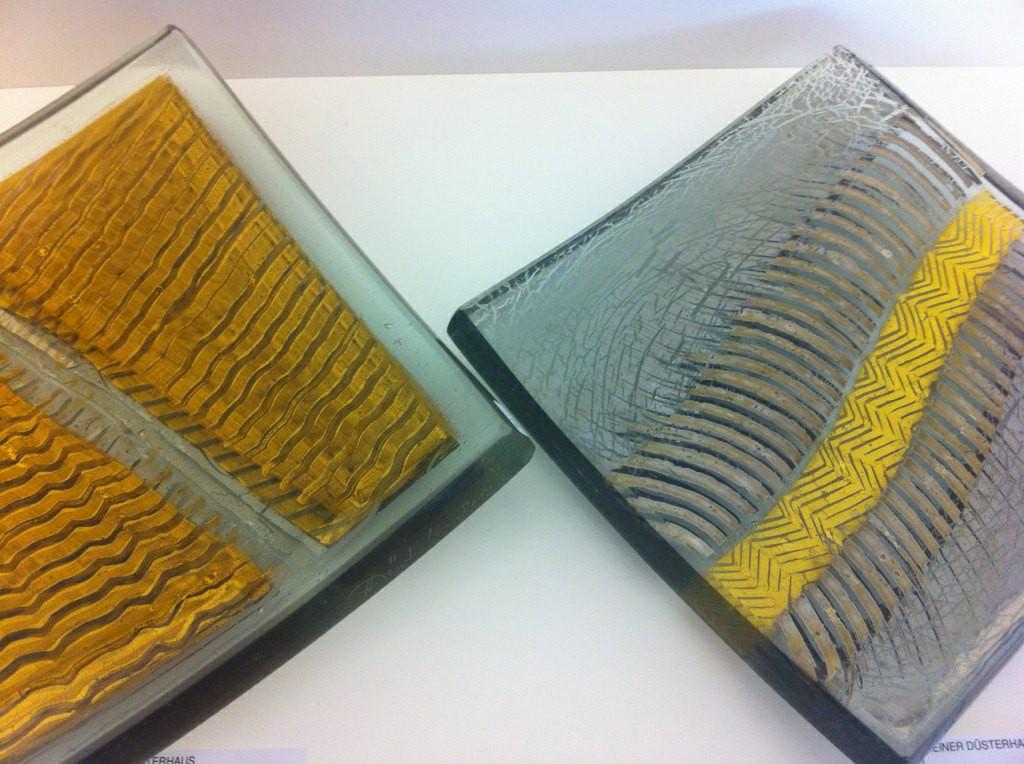 HeinerDüsterhaus, 2 Schalen: Gold-Platinmalerei; Flachglas, Hinterglasfarbe;