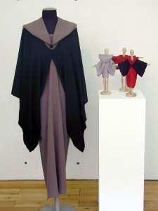 Vivian Hackbarth, kombinierbare Kleidungsmodule: Jacke, Ärmel, Rock; (Copyright: V. Hackbarth)
