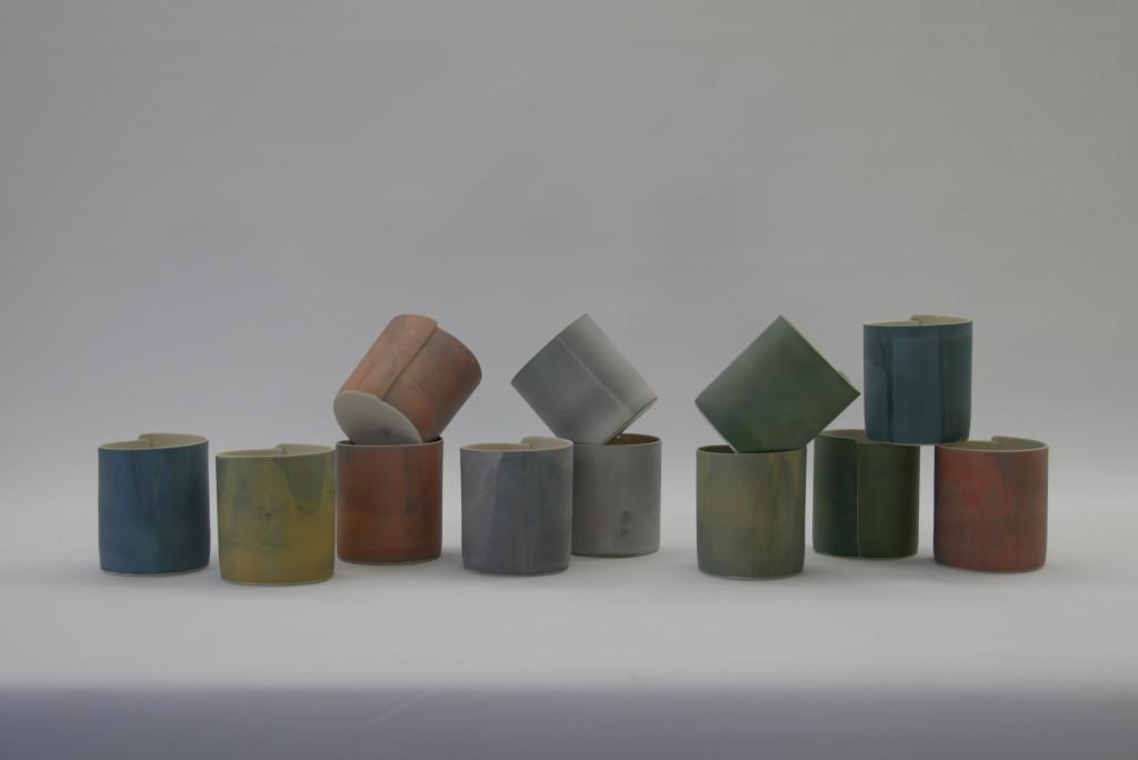 Juliane Herden, Bechergruppe, Porzellan, farbige Engoben; (Copyright u. Foto: Herden)