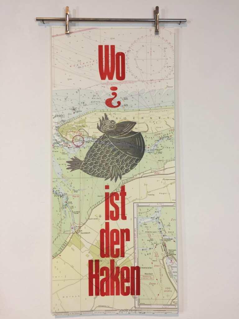 """Hans Hilmar Koch, """"Wo ist der Haken?"""" Graphik auf alter Seekarte. (Copyright und Foto HHKoch)"""