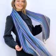 Ulrike Isensee - Schal aus gestreiftem Leinen